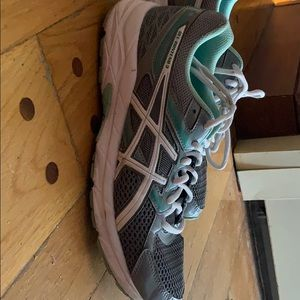 ASICS women's size 9 sneaker